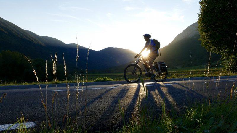 Faire du sport avec un vélo électrique, est-ce que ça a du sens ?